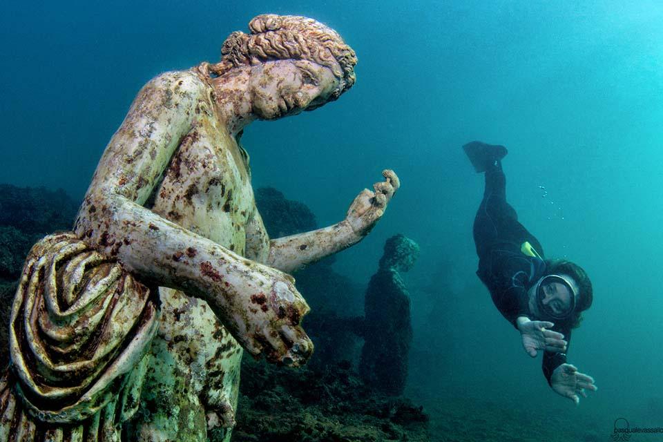 Baia sommersa: i resti del porto Julius e di ville dell'antica Roma (nei campi Flegrei).